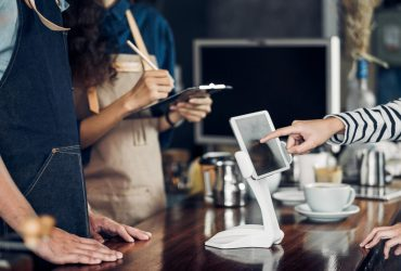 How to Pick the Best Restaurant POS System: Tips & Picks