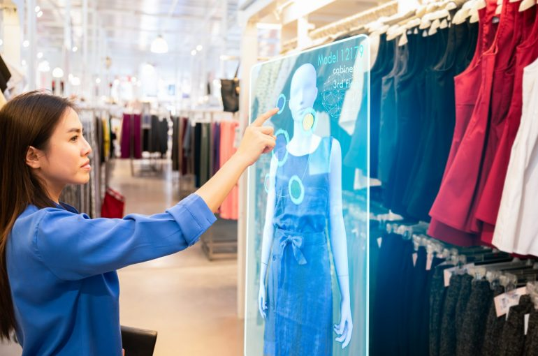AR in Retail: How Top Brands are Using Augmented Reality to Personalize Shopping Experience